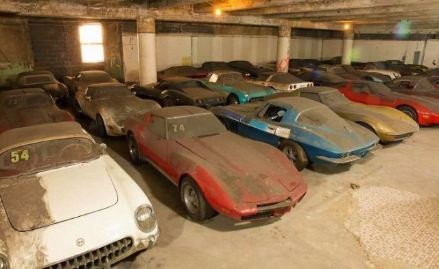 advertising cars - vintage cars