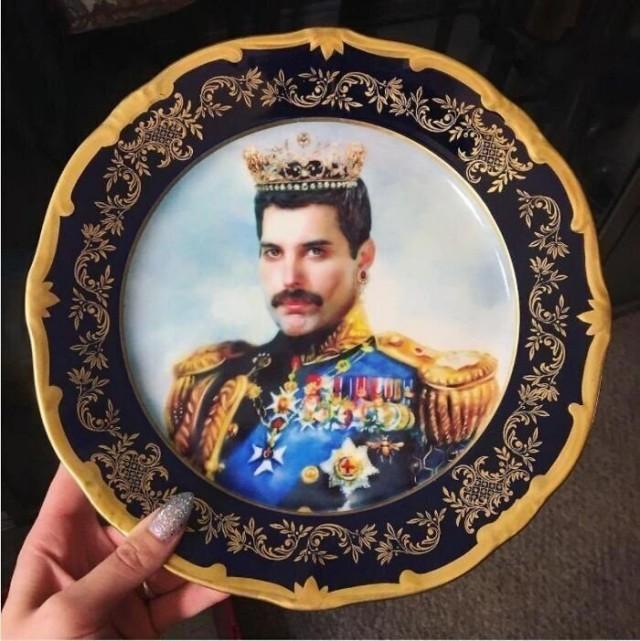 Freddie Mercury 1980s plate